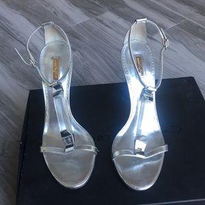 Report Signature Silver Heels